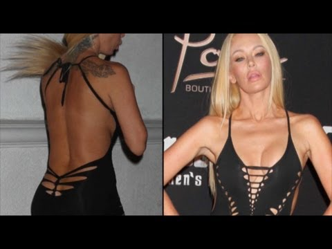 Jenna Jameson signs autographs | adultmart Mansfield | May 21, 2010 from YouTube · Duration:  1 minutes 36 seconds
