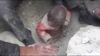 Download Video Allahuakbar ....!! Bayi tetap hidup meski kena Bom Israel MP3 3GP MP4