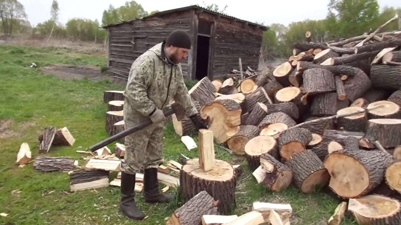 человек колет дрова картинки условии нарушения