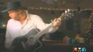 Watch Toby Keith Santa Im Right Here video