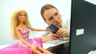 Мультики для девочек. Барби заказывает платья в Интернете!