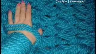 Как связать снуд (шарф, хомут) на руках(Снуд (шарф, хомут) связанный на руках из толстой пряжи. На видео показано как набрать петли для вязания на..., 2016-10-06T18:23:22.000Z)