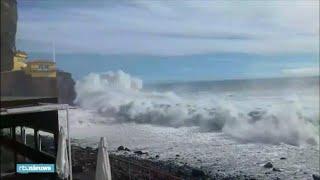 Orkaan Leslie zorgt voor hoge golven op eiland Madeira - RTL NIEUWS