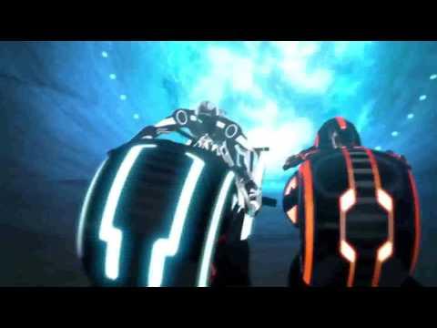 TrON UpRiSinG -light cycle battle (HD)