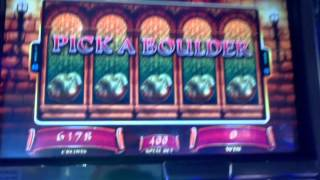 WMS Princess Bride slot machine boulder pick