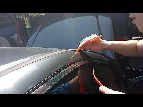 Как снимается молдинг на крыше Хонда Аккорд 7