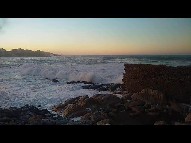 منظر رائع لهيجان البحر بجيجل قبل الغروب
