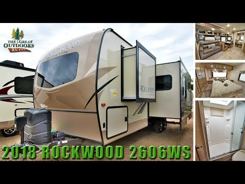 New Rear Bath 2018 ROCKWOOD Ultra Lite 2606WS Travel Trailer RV