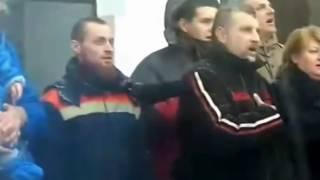 Песенный флешмоб!!! Кривой Рог. Гимн СССР на жд вокзале ))))