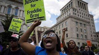 La marcha de la victoria: Baltimore se sume en más protestas por la muerte de Freddie Gray