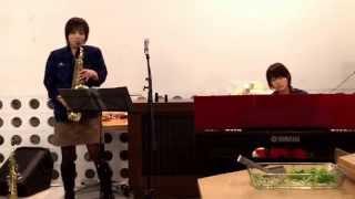 12月13日KEL×LIBERDADE X'mas Saxophone Nightで演奏されたアナと雪の女...