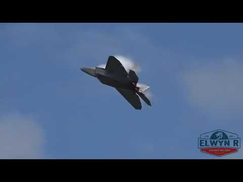 Awesome F-22 Raptor