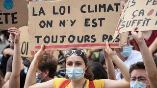 En marge de la marche pour le climat, l'Élysée dément renoncer à un référendum