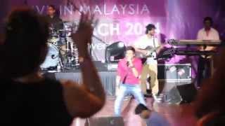 Sunidhi Chauhan Live in KL March 2014 - Dilliwali Girlfriend