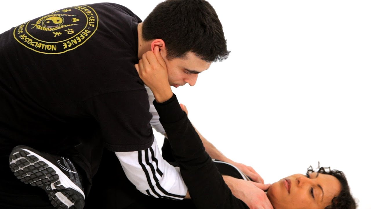 16 Tips that Might Save you Someday Self Defense-pull the ear
