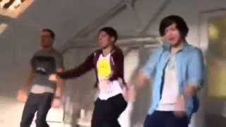 One Direction - Liam Louis & Harry dancing C'mon C'mon