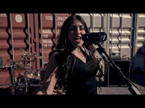 vanessa-lavoie---pour-some-sugar-on-me-(official-music-video)