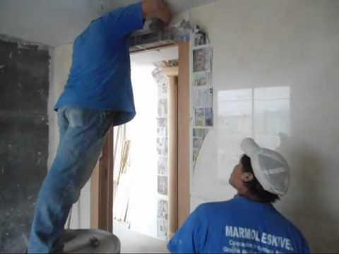 Instalaci n de placas de m rmol en muro piso banca y for Placas de marmol medidas