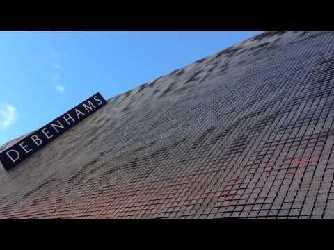 Moving Facade Debenhams Oxford Street