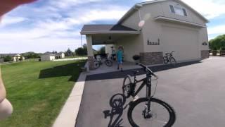 3 bikes 1 1/2 minutes