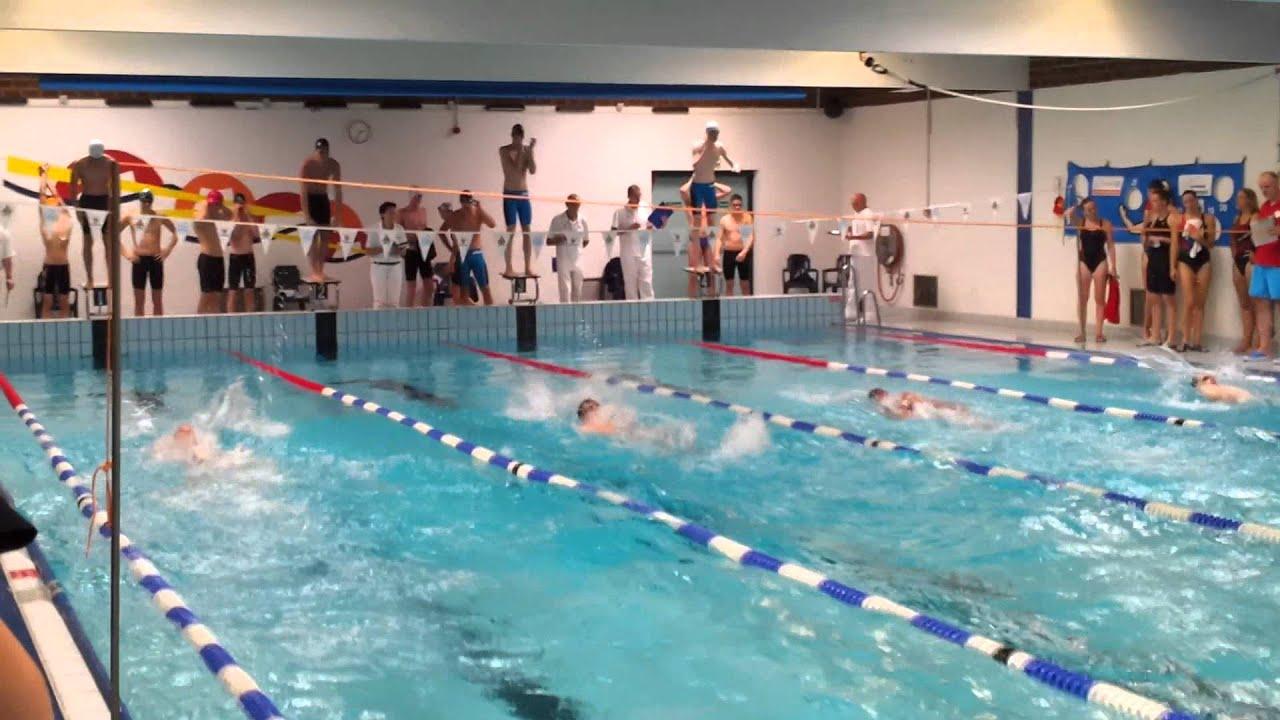 Esca zwemmen 4x50 wisselslag estafette heren youtube for Zwembad spelletjes