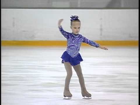 5 Year old Ice Skating, Jordyn Kalee McNeill - YouTube