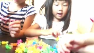 マーフィ英会話・教育スクールの3歳-7歳児K2クラスのレッスンの様子。日...