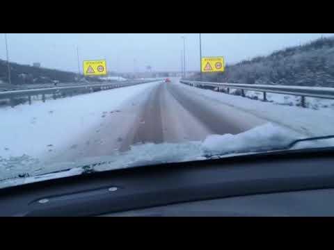 Nieve en la autovía del Duero en la salida de Valladolid hacia Tudela de Duero
