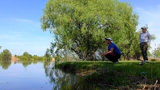Майская рыбалка в Астрахани В деревне с сыном рыбачим