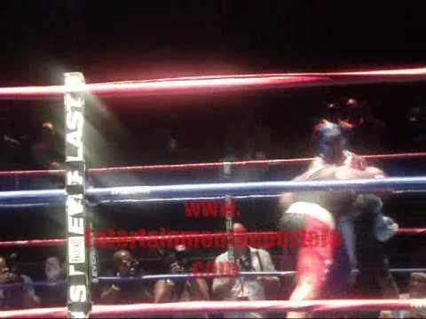 Celebrity Fight Night  R.L vs Darrin Henson