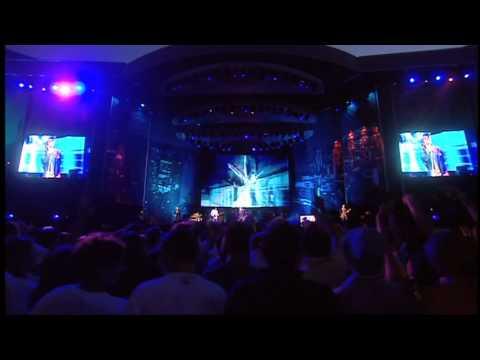 Oasis - Wonderwall (live in Wembley 2000)