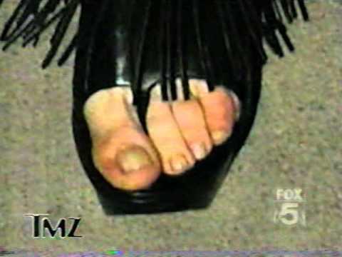 teen lindsay lohan feet
