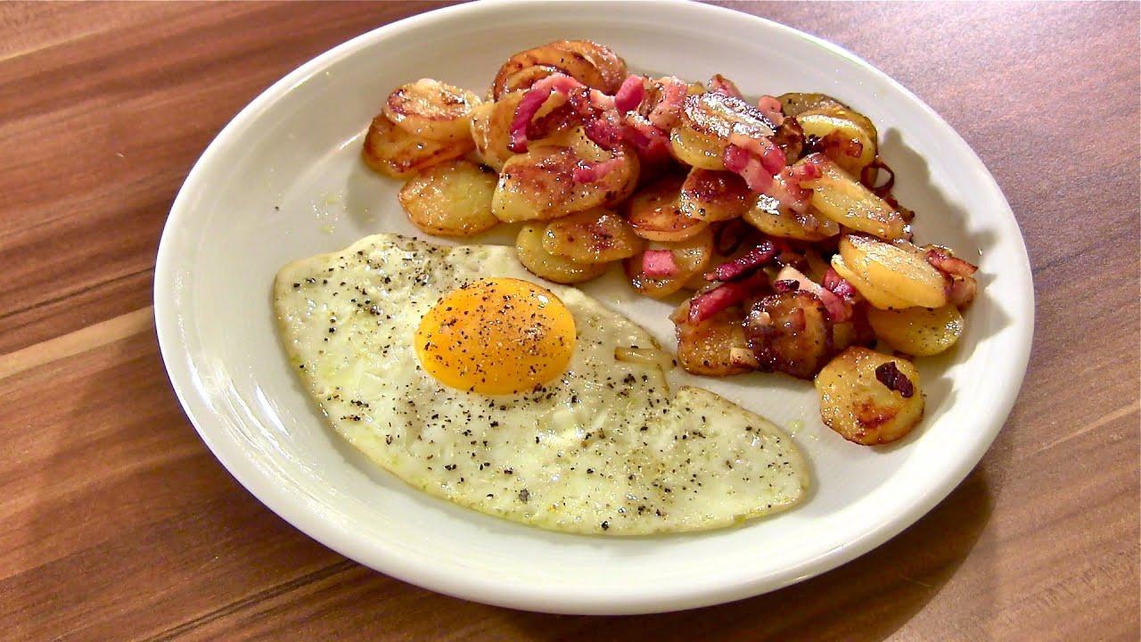 bratkartoffeln mit speck und spiegelei bratkartoffeln klassisch zubereitet
