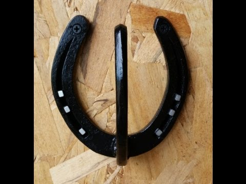 Diy simple horseshoe coat or hat rack youtube for Where to buy used horseshoes