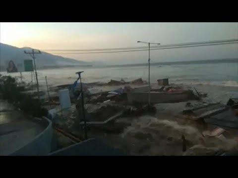 El tsunami de Indonesia, en primera persona - YouTube