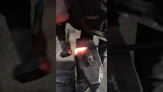 Видео урок по ковке 2 завиток в форме свитка часть 3