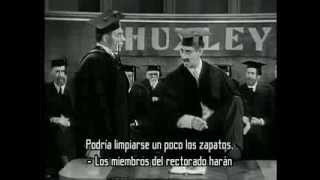 Groucho Marx sings