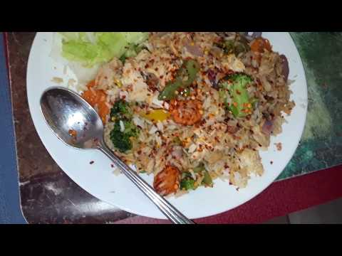 Vanlife - Cheap And Delicious Thai Turkey Fried Rice (V991) Digital Nomad Minimalist Living In A Van