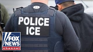 Baixar Massachusetts US attorney defends ICE arrest at courthouse