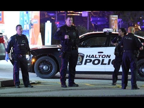 Man dead, 2 officers injured in Burlington shooting