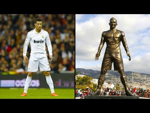 Thumbnail: Statues Of The Most Famous Footballers