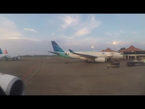 Hello Indonesia! Turkish Airlines A330-200 Approach, Landing & Taxi in Jakarta