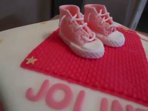 tauf torte m dchen rosa babyschuhe zur taufe m dchen fondant youtube. Black Bedroom Furniture Sets. Home Design Ideas