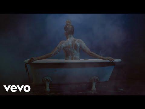 LORENA HERRERA - TÓCAME (Video Oficial)