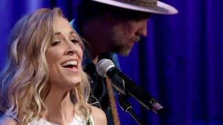 """Sheryl Crow - """"Roller Skate"""" - Live in Los Angeles (2017 - With Lyrics)"""