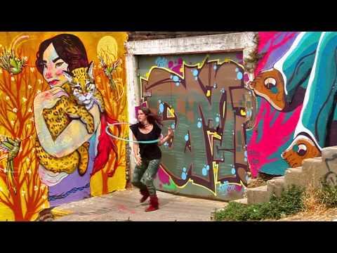 Street Art Hooping in Valparaiso, Chile