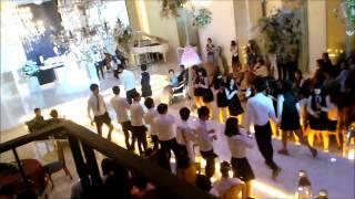 고3의 흔하지 않은 결혼 축하댄스