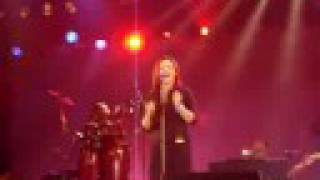 Belinda Carlisle - Leave A Light On (Live at ExCeL)