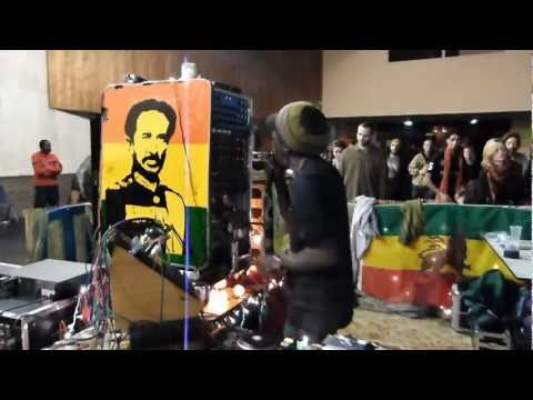 Caen Dub Order #1 - Aba Shanti-I ▶ TNT Roots (Earthquake Studio)