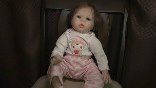 暗闇で赤ちゃんが喋り出すドッキリをいろんな人にかけてみた